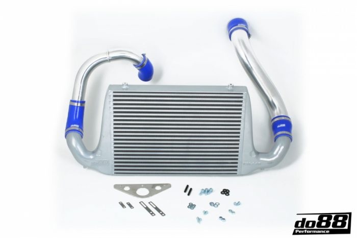 FMIC SAAB 900 TURBO, Blue Hoses
